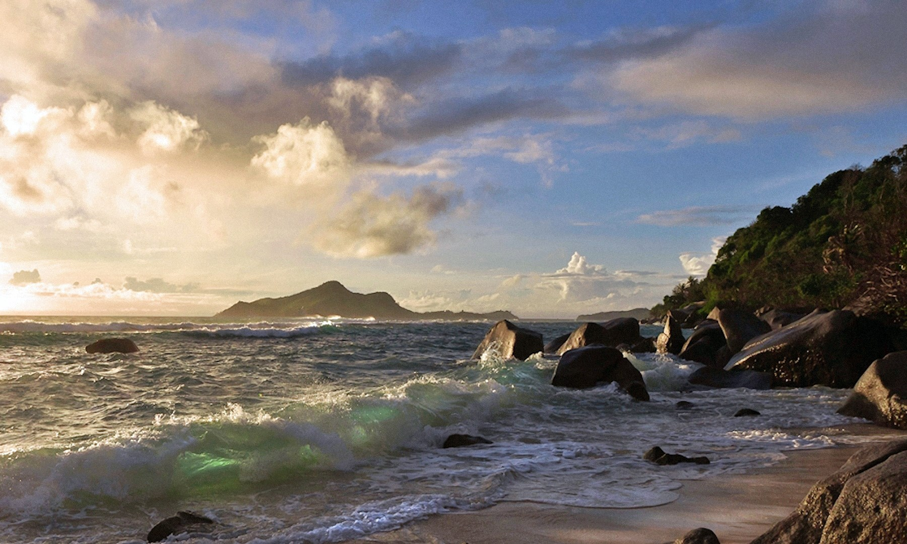 00 Lyudmila Prokofiev. Azure Waves. Seychelles. 19.05.15